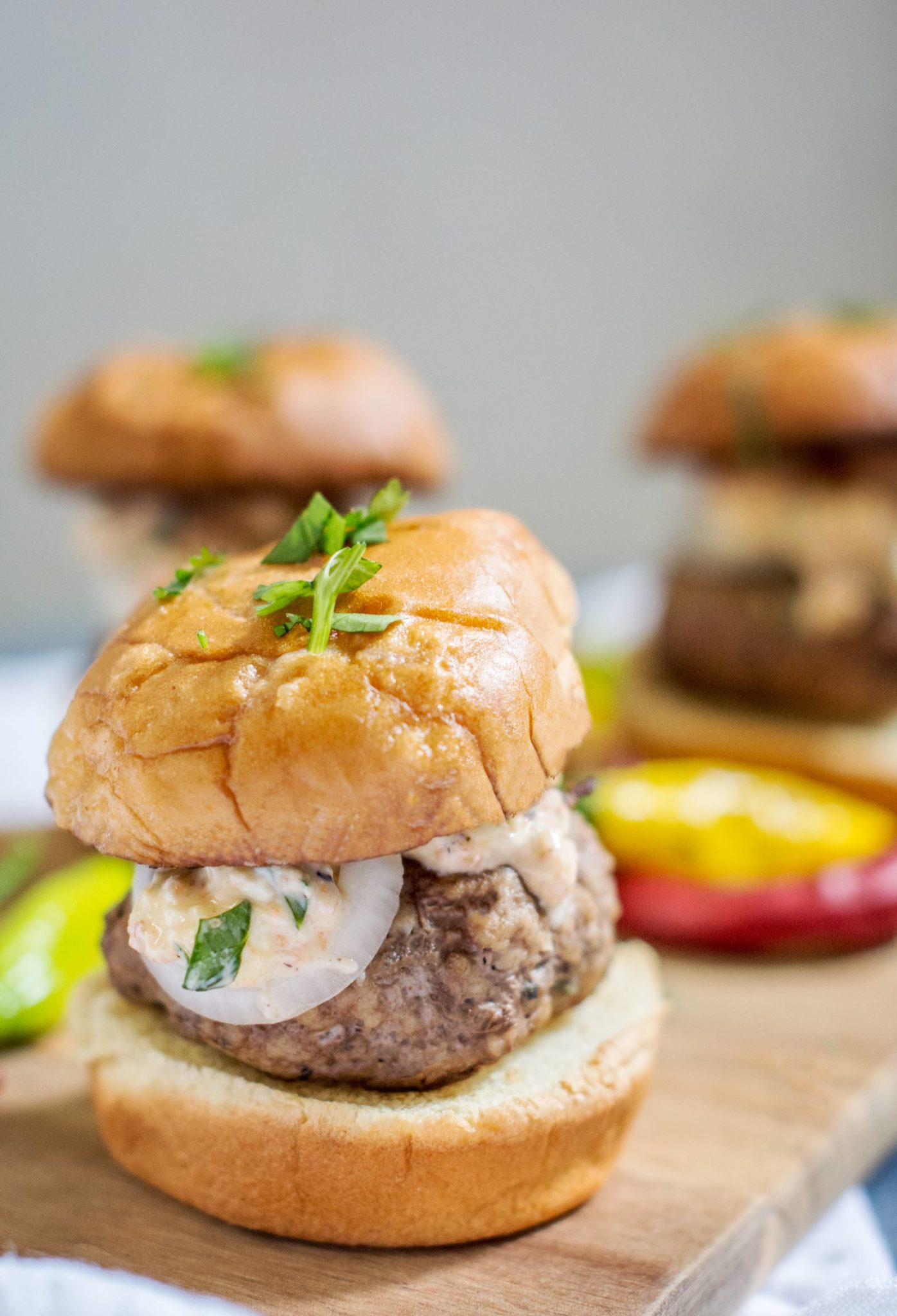 Try these gorgeous Aussie Lamb Burger Sliders this summer & enjoy with friends & family in the #GreaterOutoors! They're #Aussome @aussiebeeflamb @biggreenegg #ad